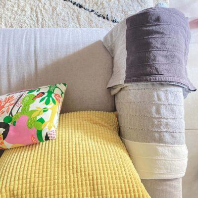 Colori pastello, fiori e tessuti: il soggiorno di primavera si veste di leggerezza